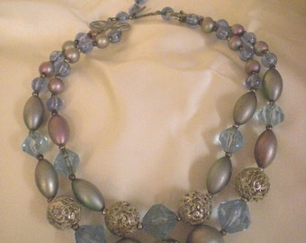 Vintage 1950s beaded necklace