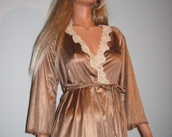 Sexy Peignoir. 1970's Vintage Miss Elaine.   Size Petite.  Made in USA.