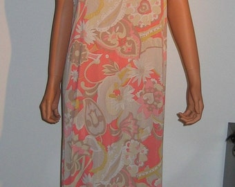 Groovy Nightie with matching Peignoir. Vintage Lorraine, Coral Pattern. Size small