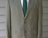 vintage early 1960's Men's skinny lapel- 3/2 Roll - sack cut sport coat. Wash N' Wear Glen Plaid. Size 38 - 40