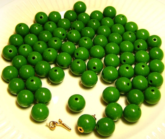 Big Lot of 1960s Old Stock Green Plastic Beads & Clasp Japan