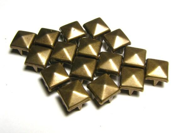 100 Medium Bronze Pyramid Studs 8mm X 8mm Square