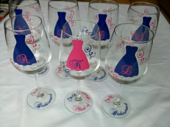 Bridesmaids gift wine glasses, 7 hot pink and navy wedding theme wine glasses, classy bride design
