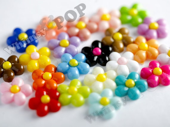 100 - Mixed Colors Baby Daisy Flower Resin Cabochons, Daisy Shaped, 13 mm x 13 mm x 4 mm