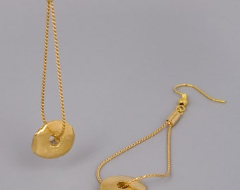 Gold Earrings, Gold Disc Earrings, Long Earrings, Hanging Earrings, Dainty Earrings, Dangle Earrings, Bridal Earrings, Bridesmaid Earrings