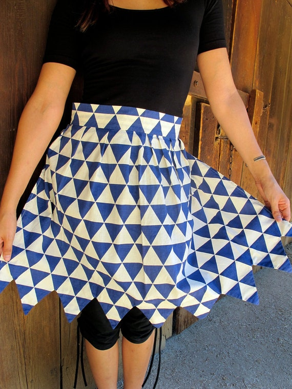 SALE Vtg 1950s Apron Skirt DIAMOND / TRIANGLE Vintage Eco geek geometric zig zag granny grandma leaves white 1/2 bakery Handmade Handsewn
