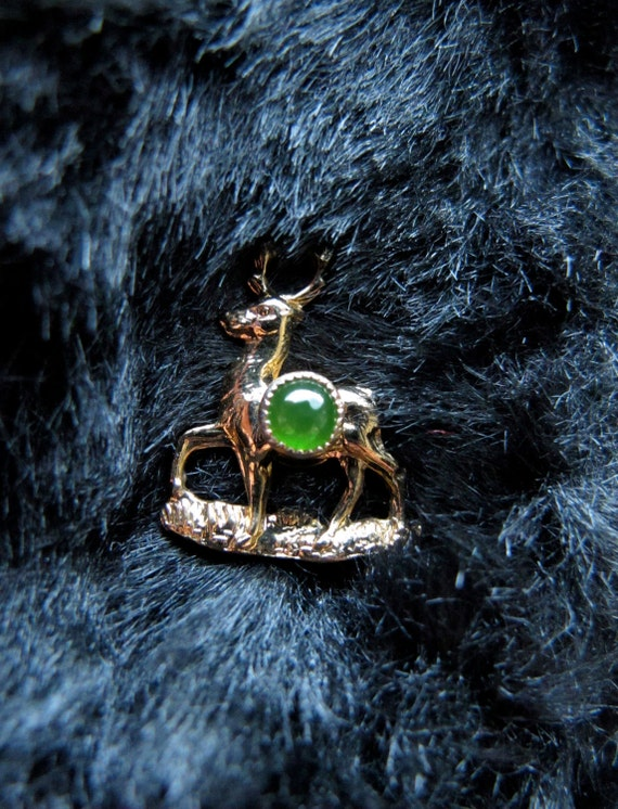 1960s YOUNG DEER PIN , Button , Doe Brooch, Gold tone w/ Green