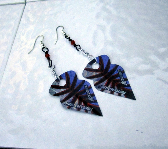 Holographic Arrowhead Earrings Take Flight
