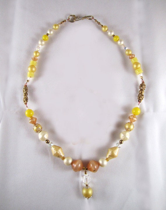 Upcycled Vintage Sunny Lemon Yellow Necklace with Pendant and Matching Bracelet