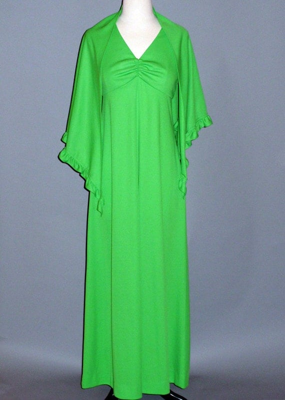 Long 1970s Dress and shawl / Bright Green dress