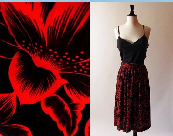 80s Red Skirt / 1980 Gathered Skirt /  Black and Red Flower Print Skirt