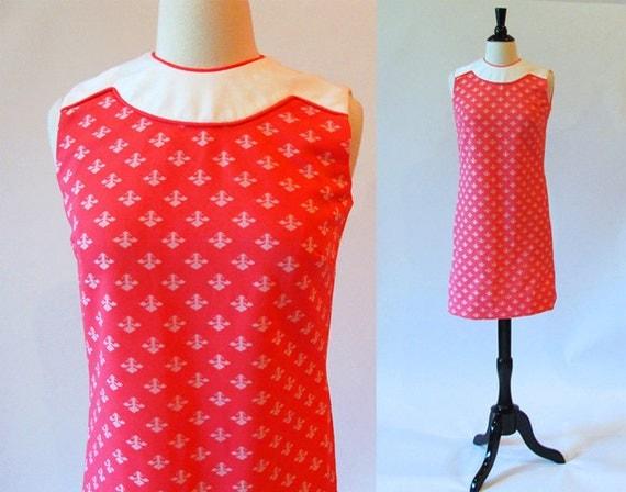 Sixties Mod Dress / 1960 Deep Pink Polyester Fleur de Lis Shift Dress