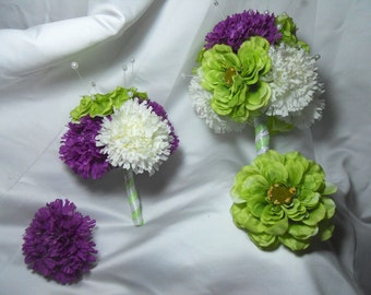 Wedding Bouquets For The Bride And Maid Of Honor With Matching Hair Flowers