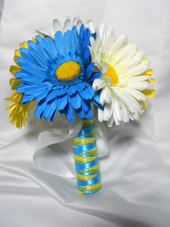Items Similar To Daisy Wedding Bouquet Package Boutonnieres Maid Of Honor For Wedding Day With