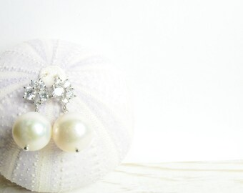 Classic White Pearl and Diamond Crystal Earrings/ Bridal Statement Earrings/ Pearl Bridal Jewelry