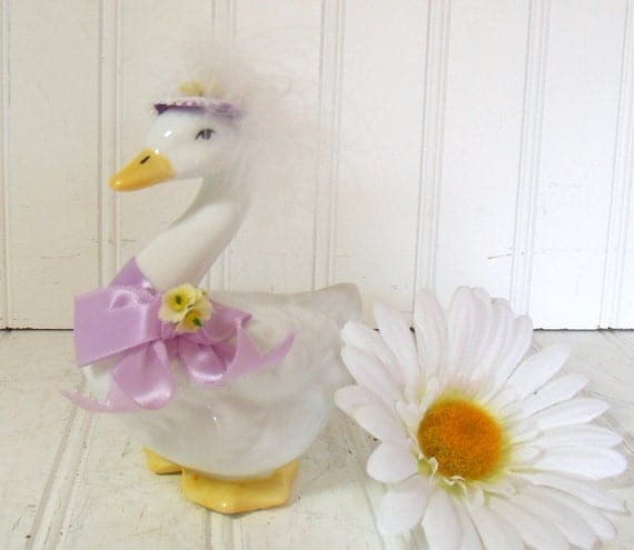 White Porcelain Goose - Vintage Russ Collectible with Original Box - Shabby Cottage Chic Decor