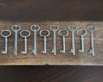 10 Gunmetal Skeleton Key Charms Gunmetal Key Pendants Black Key Charms Skeleton Key Set Necklace Charms The Master's Keys