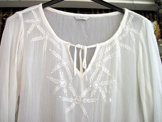 White Long Sleeved Delicately Embroidered Blouse with Elastic Waist - Large