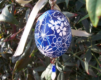 Custom Made Handcarved Egg  Handpainted  Hollow  Personalized  Chicken Egg