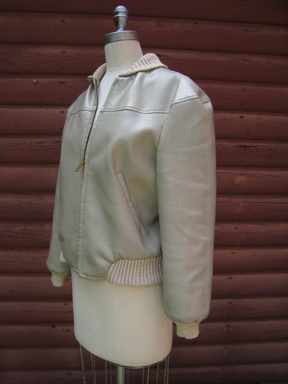 Vintage 1960s Grey Cream Sears Fraternity Prep Jacket with Doe-Lon Fabric