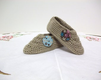 Childrens Slippers Crochet Tan Size 11