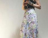 90s Maxi Skirt / High Waist Maxi Skirt / Soft Grunge / Rose Print / Festival Skirt / Shabby Chic Floral Print / Laura Kieffer / Size 4