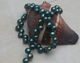 Iridescent Green Freshwater Coin Pearl - ( 6 - 7 mm) - full strand
