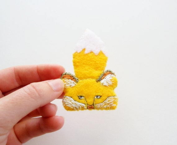 Fox brooch, handsewn felt jewelry