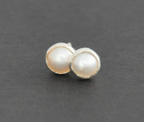 Pearl Earrings in sterling silver studs. 4mm Pearl Studs