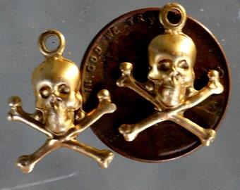No.1 Skull and Crossbones tiny (6 pc)