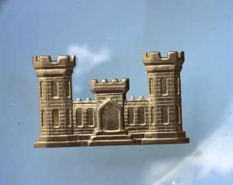 Castle for a King Charm (2 pc)