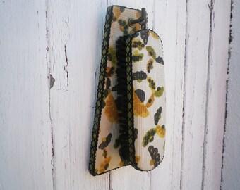 Retro Hanging Brush Vintage Fabric Printed Wooden Set