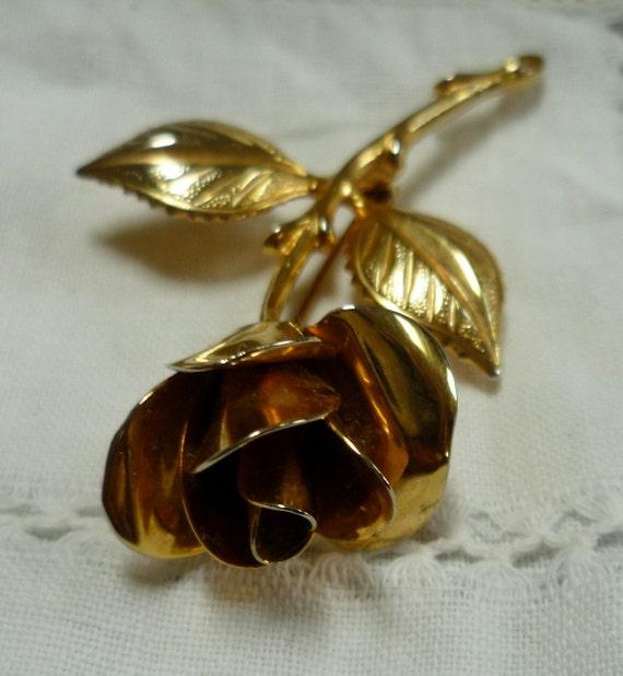 Vintage 70s Golden Rose Brooch