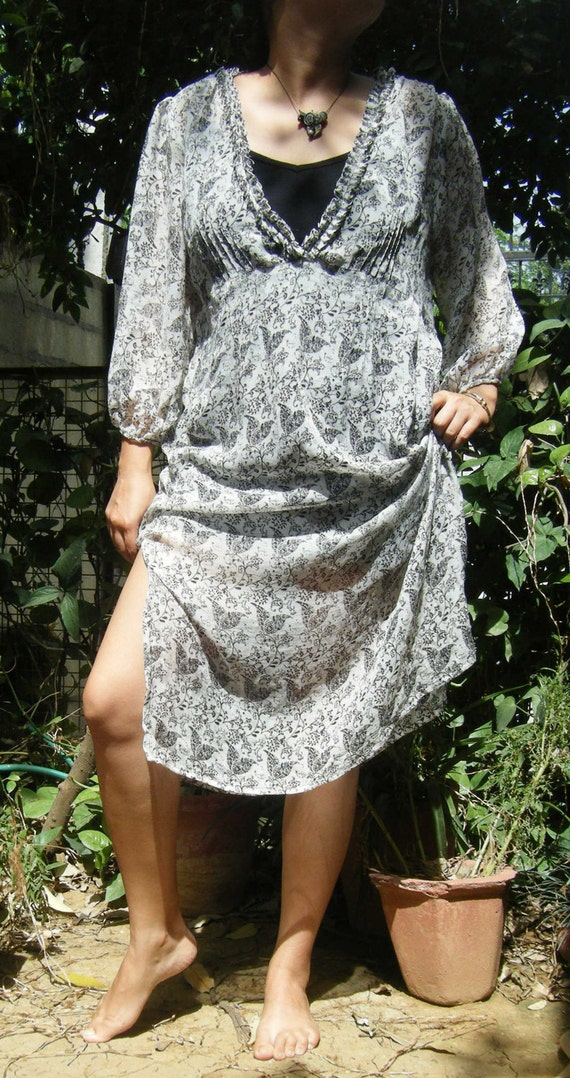 Summer kaftan, silk kaftan, women's caftan, beach wear, printed silk, lounge wear, black and white print, kaftan dress, printed kaftan