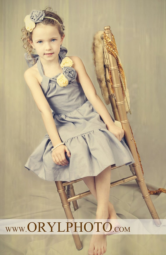 Treasury Item - Wedding Flower Girl, Photoshot, Party Beautiful Natural Grey Ruffled Dress with Flowers. S 6 - 7