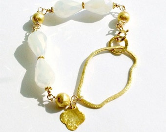 White Bracelet - Wedding Jewelry - Quatrefoil Charm - Yellow Gold Jewellery - Crystal - Bride - Iridescent - Teardrop B-TBM