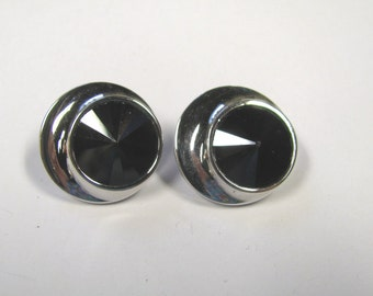 Vintage Signed Sarah Coventry Jet Black Rivoli Rhinestone Clip on Earrings in  Silver tone Metal