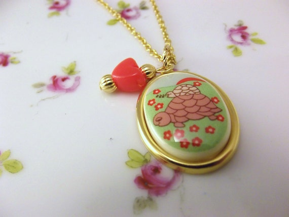 Mommy and me turtle necklace, handmade vintage turtle cameo necklace, Mother day necklace with heart charm, mother and daughter necklace