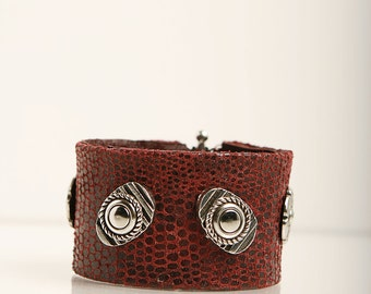 Printed leather  wide wristband.