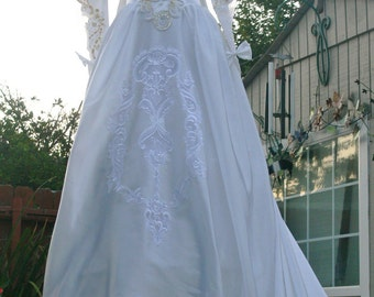 White Long Train Wedding Dress with gold sequin size 6-8