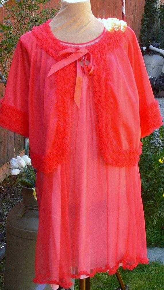 red chiffon short robe and night gown x large