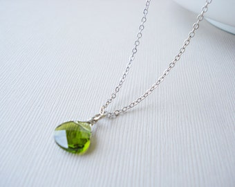 30% OFF, Peridot Swarovksi crystal necklace, Silver necklace, Crystal necklace, Wedding necklace, Bridesmaid gift, Peridot necklace