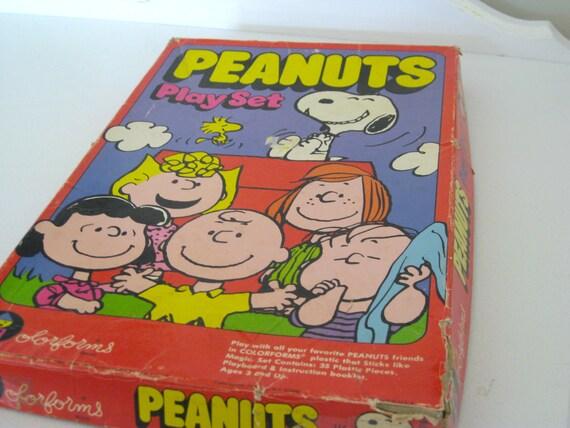 "Vintage Toy  - Snoopy - ""Peanuts Play Set"" - Colorforms - 1971- NehiandZotz"