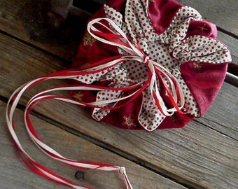 Holiday Drawstring Pouch Red Fabric Wristlet Purse Gift Bag Christmas Ornament itsyourcountry