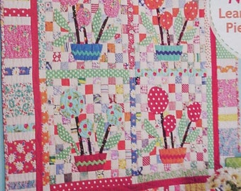 Patchwork Applique Floral Pattern, Vintage Style Flower Quilt Design Booklet Better Homes Gardens American Patchwork Quilting itsyourcountry
