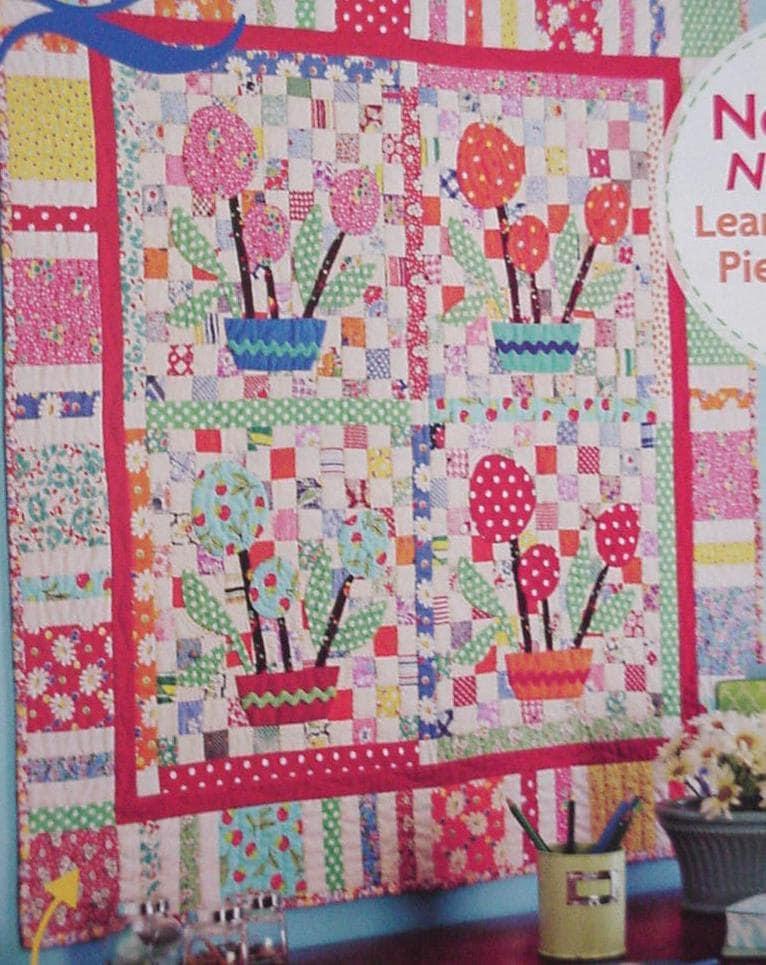 Patchwork Applique Floral Pattern Vintage Style Flower Quilt