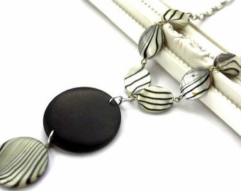 Black and White Chunky Necklace with Shells and Wood Pendant, Zebra Animal Print, Modern and Minimalist Beaded Necklace