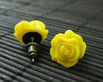 Yellow Rose Earrings. Bronze Stud Earrings. Flower Earrings. Post Earrings. Flower Jewelry. Handmade Jewelry.