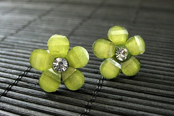Olive Green Daisy Earrings. Daisy Flower Post Earrings with Rhinestones. Olive Green Flower Earrings. Bronze Stud Earrings. Handmade Jewelry