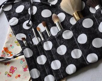 Make-Up Brush Roll / Organizer  - PDF Sewing Pattern & Tutorial; brush roll up; travel case; makeup; DIY; easy sewing pattern